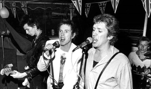 27.05.16, Worley, The Sex Pistols at Reading (Richard Boon) - Sex Pistols playing Pretty Vacant, June 7th 1977