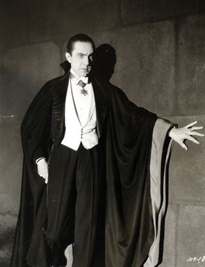 4. Bela Lugosi as Dracula (1931) via Wikimedia